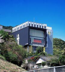 鹿児島医療技術専門学校平川キャンパス講義棟